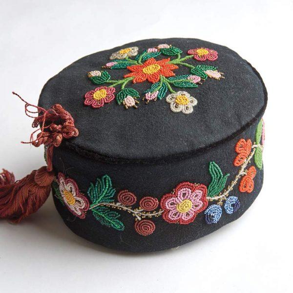 A men's Métis hat.